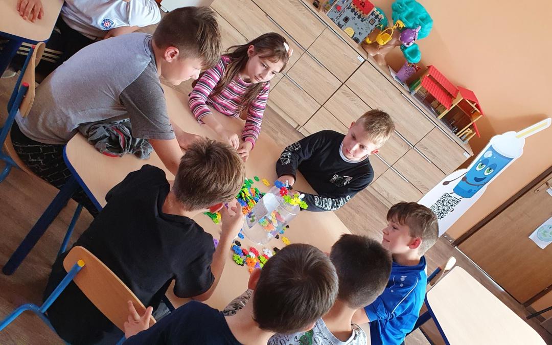 Svibanjske aktivnosti radoznalosti, smijeha, igre, učenja i upoznavanja